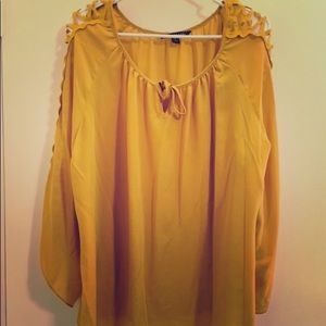 Long sleeve Yellow Top SzXL